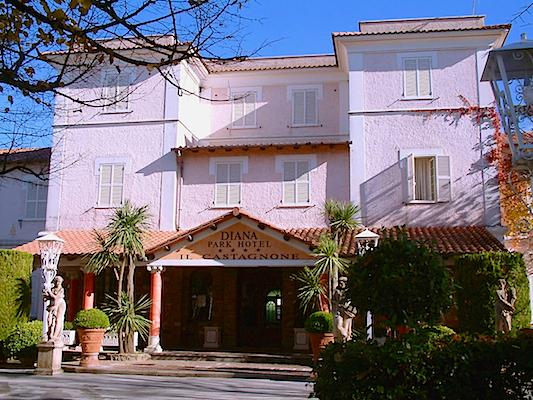 Diana Park Hotel i Nemi, Italia.