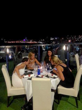 ... og så sosiale blir det når bloggere spiser middag sammen!