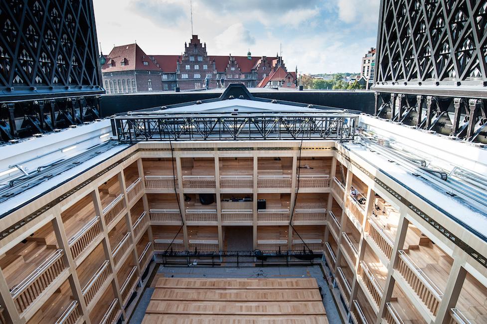 Shakespear Theatre i Gdansk. På dette teateret kan taket åpnes,