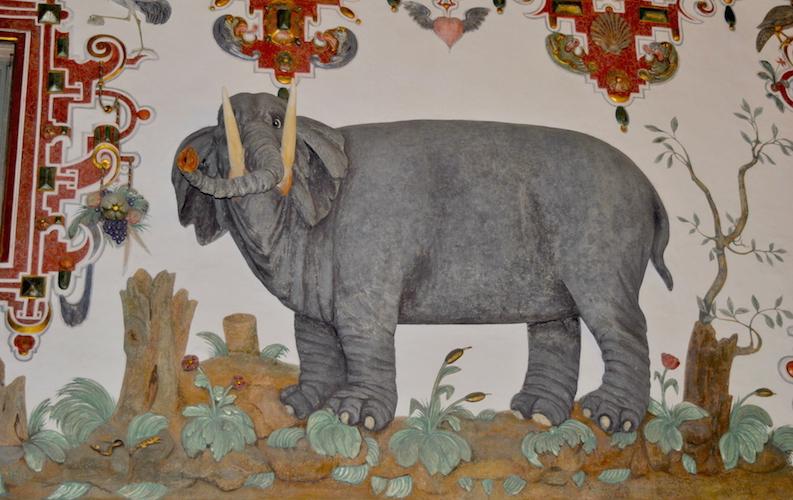 Kunstneren hadde selv aldri sett en elefant, men ble fortalt hvordan den så ut.